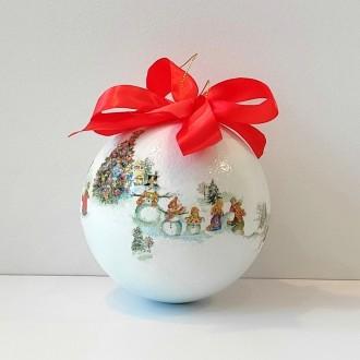 Cieniowana bombka z bożonarodzeniowym motywem