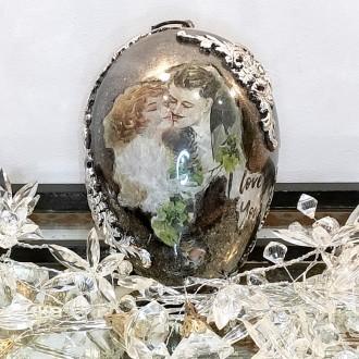 Akrylowe jajo z reliefami