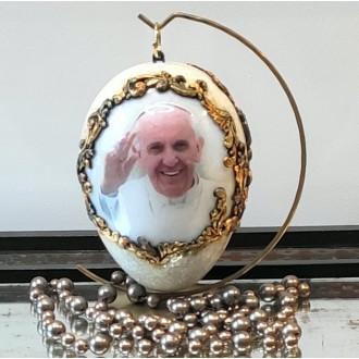 Lustrzane jajo z Papieżem Franciszkiem, spękaniami i...